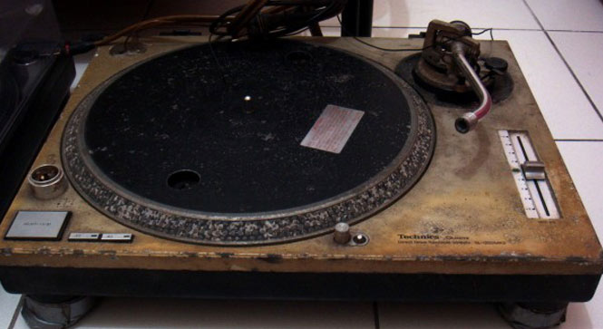 2nd-hand-turntable-technics
